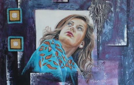 Vêtue de son foulard turquoise - 90 x 90 cm <br /> CHF 1